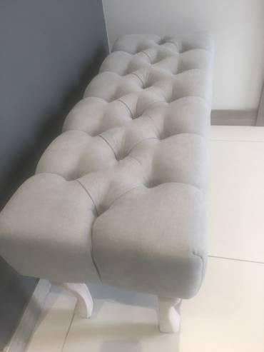 Tapicerowana ława – siedzisko